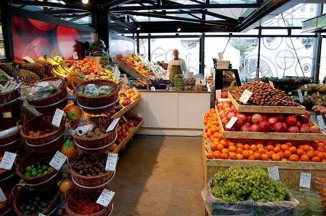 natural organic fruit and vegetables