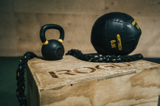 weighted box jumps